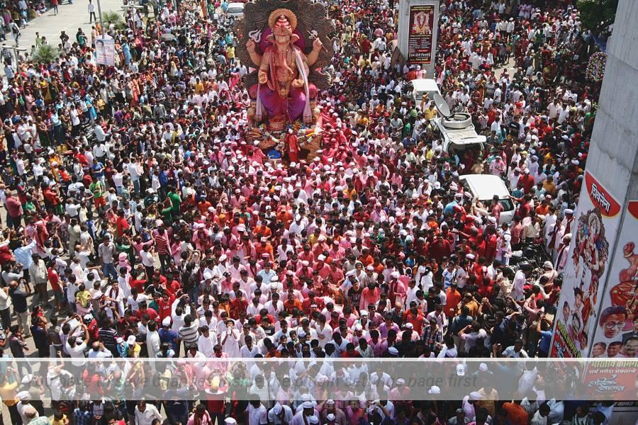 Ganesha Chaturthi (Gaṇēśa Chaturthī), noto anche come Vinayaka Chaturthi (Vināyaka Chaturthī) o Vinayaka Chavithi (ināyaka Chavithī) è un festival indù che celebra la nascita di Ganesha.